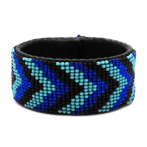Handmade Czech glass seed bead black leather cuff bracelet with chevron arrow pattern design in blue, turquoise mint, and black color combination.
