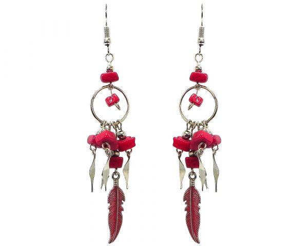 Chip stone and alpaca silver metal hoop earrings with long colored feather charm dangle in red color.