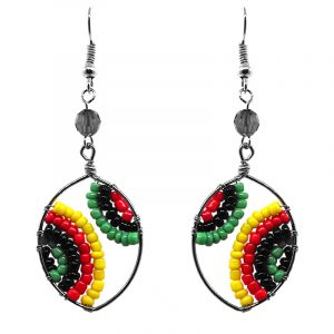 Ellipse-shaped seed bead and alpaca silver metal earrings in Rasta colors.
