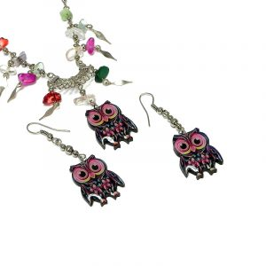 Handmade big eyed owl acrylic chain necklace with multicolored chip stones and matching dangle earrings in pink, hot pink, mint, yellow, and black color combination.