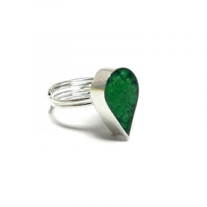 Handmade mini teardrop-shaped resin and crushed chip stone inlay cabochon on adjustable silver metal ring in green color.