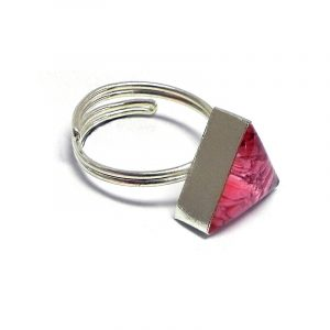 Handmade mini triangle-shaped resin and crushed chip stone inlay cabochon on adjustable silver metal ring in pink color.