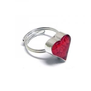 Handmade mini heart-shaped resin and crushed chip stone inlay cabochon on adjustable silver metal ring in red color.