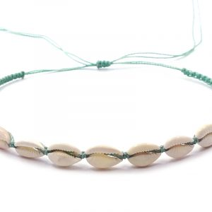 Macramé pull tie choker with natural seashells in mint green and white color combination.